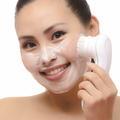 Brosse nettoyante : l'allié indispensable de notre visage