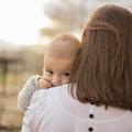 """""""Mom hair"""" : les mères culpabilisées à cause de leur coupe de cheveux"""