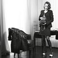 Kristen Stewart présente la nouvelle version du sac iconique 2.55 de Chanel