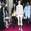 En Angleterre, Dior chahute le New Look pour son défilé Croisière 2017