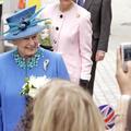 Elizabeth II sur Twitter : son message personnel à ses followers