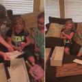 Emma et sa poupée à prothèse ont ému 34 millions d'internautes