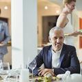 Faut-il inviter son boss à dîner chez soi ?