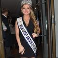 """Miss Grande-Bretagne perd sa couronne pour """"un moment d'égarement"""" face caméra"""