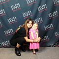 Selena Gomez fait le show avec une fillette atteinte d'une maladie rare