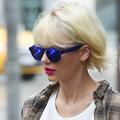 Taylor Swift sort avec un bel acteur anglais