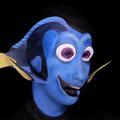 """Une maquilleuse se transforme en Dory, le personnage de """"Nemo"""""""