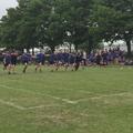 Des écoliers laissent leur camarade trisomique gagner un 100 mètres
