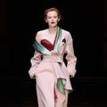 Atelier Versace, entre douceur et sensualité