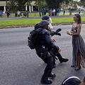 La femme de Baton Rouge : l'histoire derrière la photo iconique