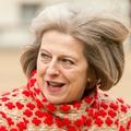 Theresa May devrait-elle arrêter de porter des talons ?