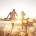 Amours de vacances : ils racontent leurs histoires marquantes