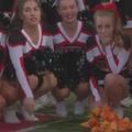 Une pom-pom girl malade reçoit l'hommage de son équipe de football