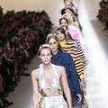 À Milan, Karl Lagerfeld bouscule les codes de Fendi avec un printemps-été tonique