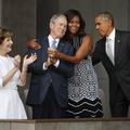 Michelle Obama : son câlin à George W. Bush enflamme le Web
