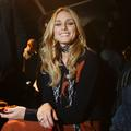 Fashion Week : Olivia Palermo, Dakota Johnson et Naomi Campbell s'invitent à Milan
