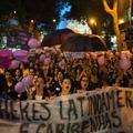 De l'Argentine au Mexique, les femmes dans la rue pour sauver leur peau