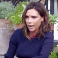 Victoria Beckham rit face caméra de ses fashion faux pas