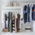 """Le """"dressing 333"""", la garde-robe minimaliste adaptée à la saison"""