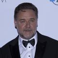 Russell Crowe menacé de mort par une convive à un dîner