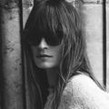 Caroline de Maigret et Chanel offrent une leçon de style en ligne