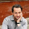 Qui est Derek Blasberg, meilleur ami de la mode et présentateur à CNN Style?