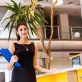 Comment personnaliser une tenue imposée pour aller au travail ?