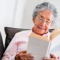 Une retraitée rend un livre à la bibliothèque avec 63 ans de retard