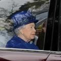 """Elizabeth II : première apparition publique de la reine depuis son """"gros rhume"""""""