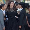 Angelina Jolie au Cambodge avec ses six enfants