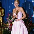 Les plus belles robes des Oscars à travers l'histoire de Audrey Hepburn à Jennifer Lawrence