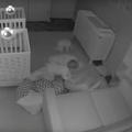 Vidéo : pendant que les parents dorment, les jumeaux s'amusent