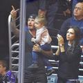 David Beckham filme la grande première de sa fille Harper à vélo