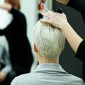 Rupture, promotion, deuil… Pourquoi on va chez le coiffeur à chaque tournant de vie ?