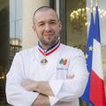 """Guillaume Gomez, un chef """"normal"""" aux commandes des cuisines de l'Élysée"""