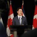 Justin Trudeau s'incruste sur une photo de bal de promo