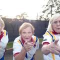 À 80 ans, elles reprennent Beyoncé pour sauver leur club de bowling