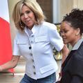 Brigitte Macron en jean pour recevoir Rihanna à l'Élysée