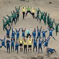 Trente-deux footballeuses jouent le match le plus haut du monde sur le Kilimandjaro