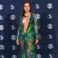 La robe de Jennifer Lopez à l'origine de Google Images, maintenant disponible à 42 € ?