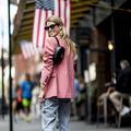 Les New-Yorkaises réinventent la façon de porter le sac à main