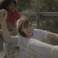 Charlotte Gainsbourg dévoile ses filles, Alice et Joe, dans son nouveau clip.