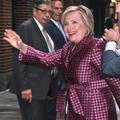 """L'hilarant tacle de Hillary Clinton contre le """"manspreading"""" de Vladimir Poutine"""