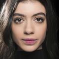 Nos conseils maquillage pour corriger les yeux qui tombent