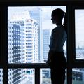 Harcèlement sexuel au travail : elles témoignent à visage découvert