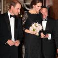 """Approuvée par Kate et Meghan, voici à quoi ressemble la robe idéale des """"royals"""""""