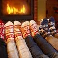 Pantalon serré, paillettes à l'excès, chaussettes au rabais... Les erreurs à éviter pour une tenue de fête