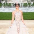 Karl Lagerfeld transforme le Grand Palais en jardin versaillais pour Chanel