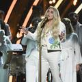 """Praying"" de Kesha, un nouvel hymne ""Me Too"" est né aux Grammy Awards"