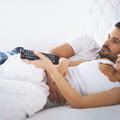 La télévision dans la chambre, un danger pour la libido ?
